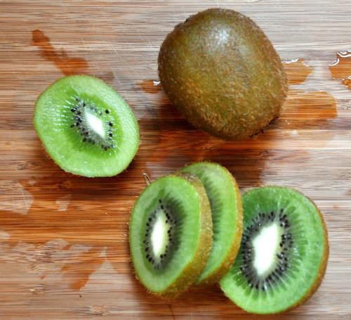 fuzzy kiwi, Actinidia chinensis