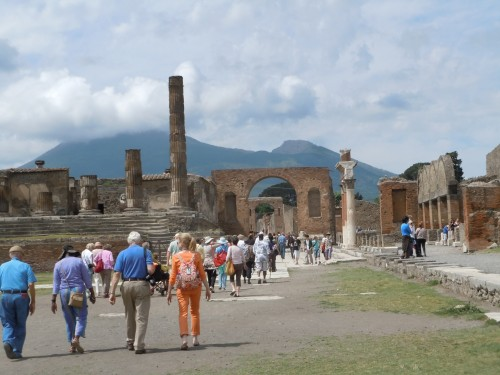 it made me shiver to think that in 79AD someone stood on this very spot, wondering why Mount Vesuvius was so noisy and trying to decide  whether to get out of town
