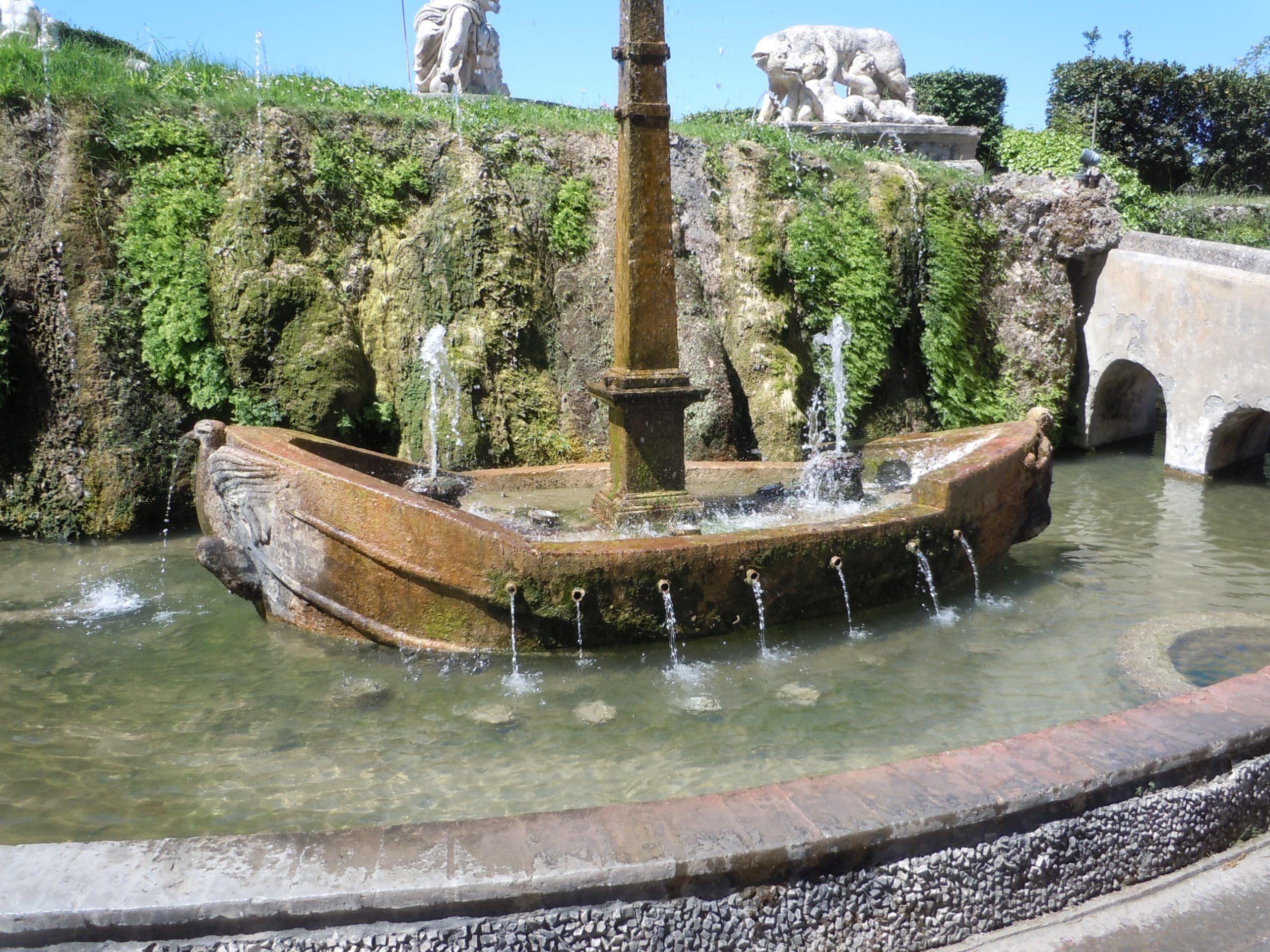the boat fountain